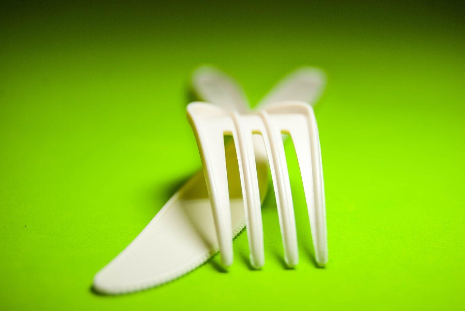 Cubiertos de pepa de aguacate biodegradables ecuador