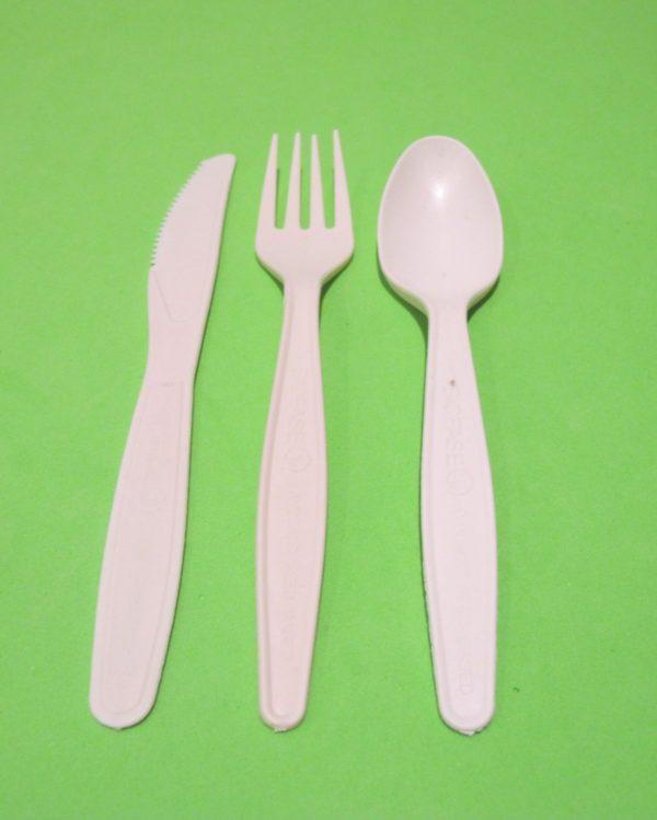 CUBIERTOS PEPA DE AGUACATE beige biodegradables